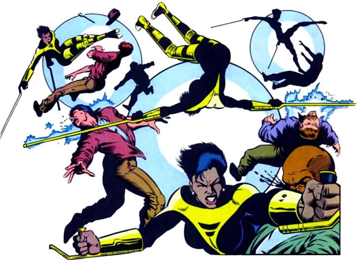 Silhouette Chord, criada em 1990, sofreu com uma guerra de gangues e, assim como Oráculo, levou um tiro em sua coluna, ficando paraplégica. Negra, essa integrante dos Novos Mutantes tem poderes de teleporte e de se esconder nas sombras.