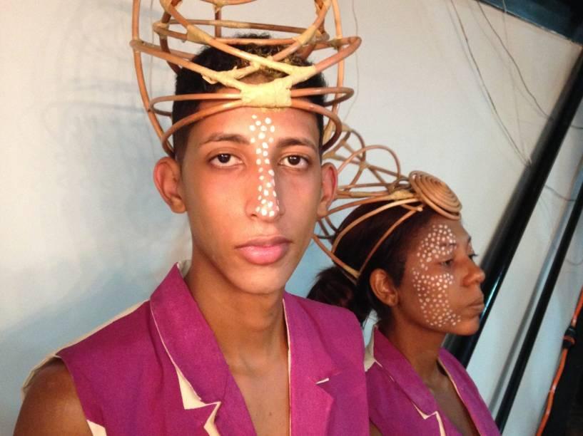 Os coletes masculinos sem manga são modelos emblemáticos do Carnaval, transportados para as Olimpíadas por Alexia