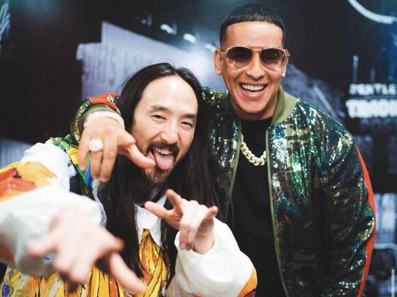 O DJ fanfarrão Steve Aoki e Daddy Yankee, uma reunião que não temos vontade de assistir, vestindo 5001 Flavors