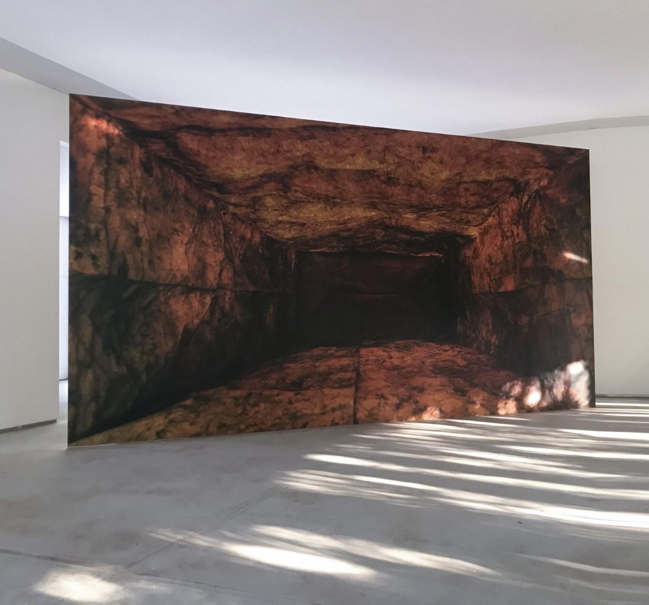 PROPAGANDA, 2021, Lucia Koch. obra instalada na Galeria Praça, no Instituto Inhotim
