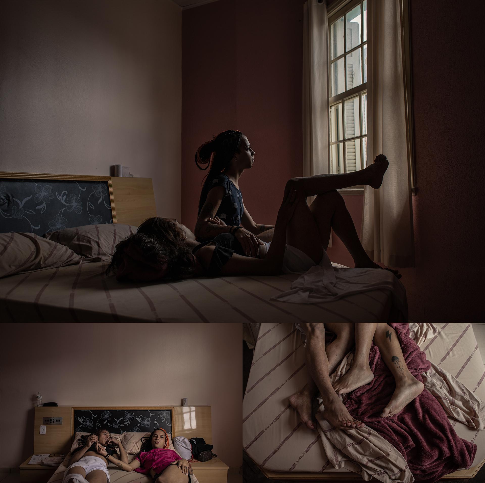 Bárbara (22) e Mirella Santos (22) em um quarto de hotel no Bairro Bom Retiro, no centro de São Paulo. Bárbara foi desligada da Casa Florescer I no final do mês de abril de 2021 devido uma crise de ansiedade que acarretou à danificação de uma das portas do local.